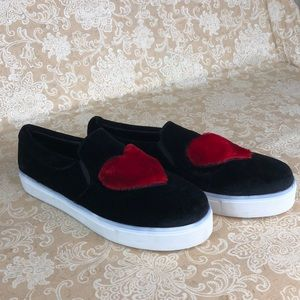 Sofree Black Heart Slip-on Shoes